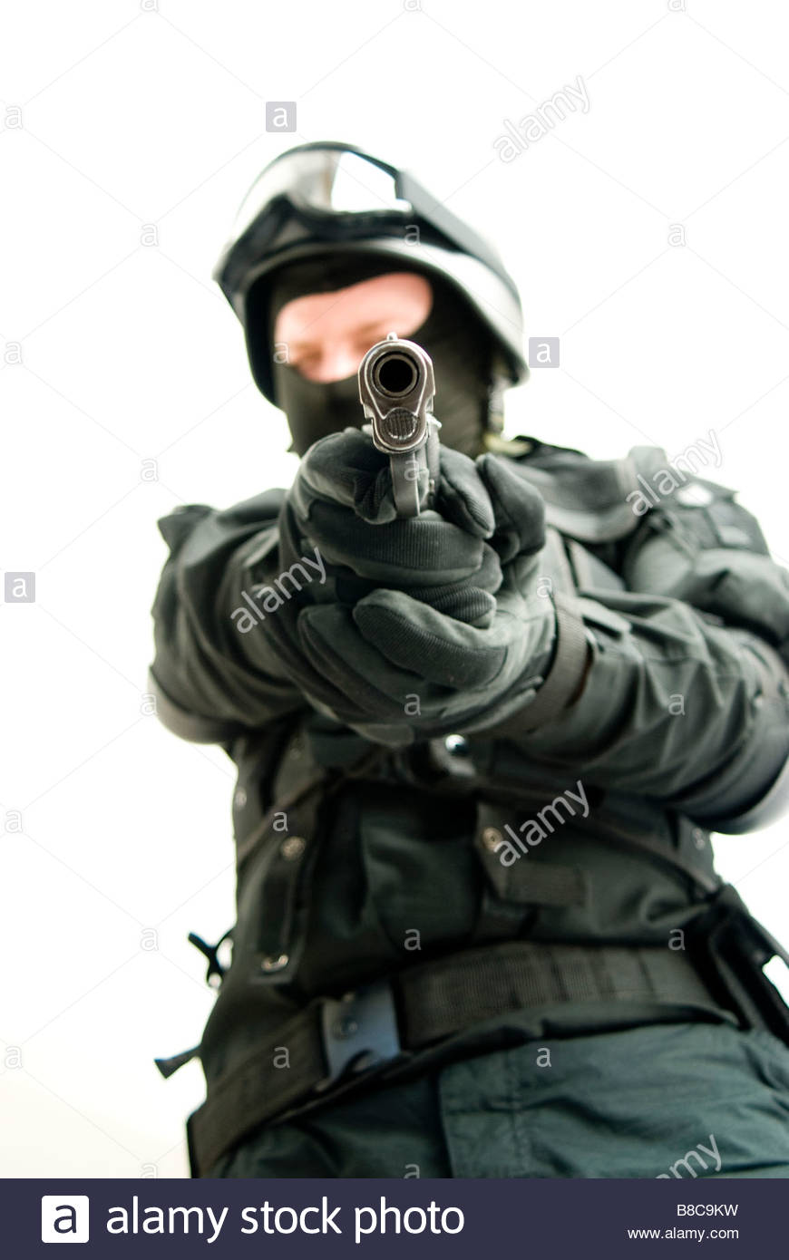 870x1390 Swat Police Officer Pistol Stock Photos Amp Swat Police Officer
