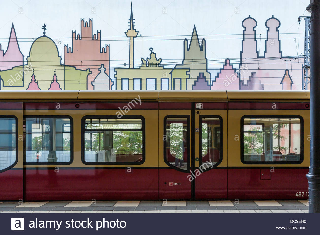 1300x956 Wall With Train Drawing Stock Photos Amp Wall With Train Drawing