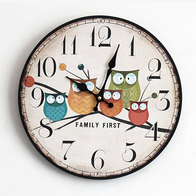 640x640 Hot Sale Europe Style Pastoral Colored Drawing Wooden Wall Clock