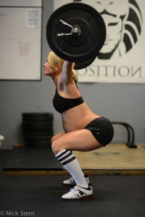 294x440 Pregnant Weightlifter Drawing Ire On The Internet