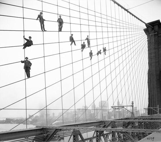 564x498 24 Of The Most Badass Moments In History Brooklyn Bridge