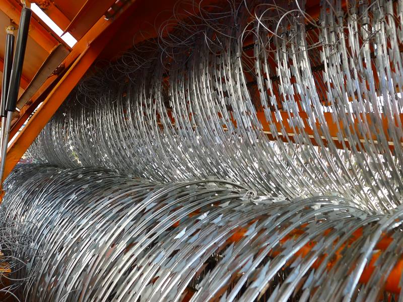 800x600 Walcoom Corp. Fencing Series Razor Wire, Chain Link Fence