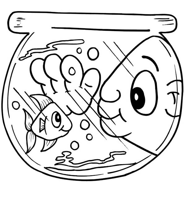600x670 Funny Man Eye In Fish Bowl Coloring Page