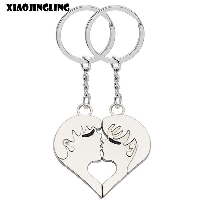 640x640 Xiaojingling Boy Girl Kissing Keychain Broken Heart Fashion Key
