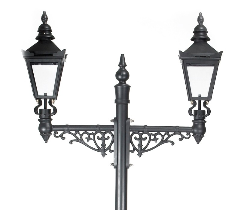 812x698 The Double Baron Vintage Lamp Post
