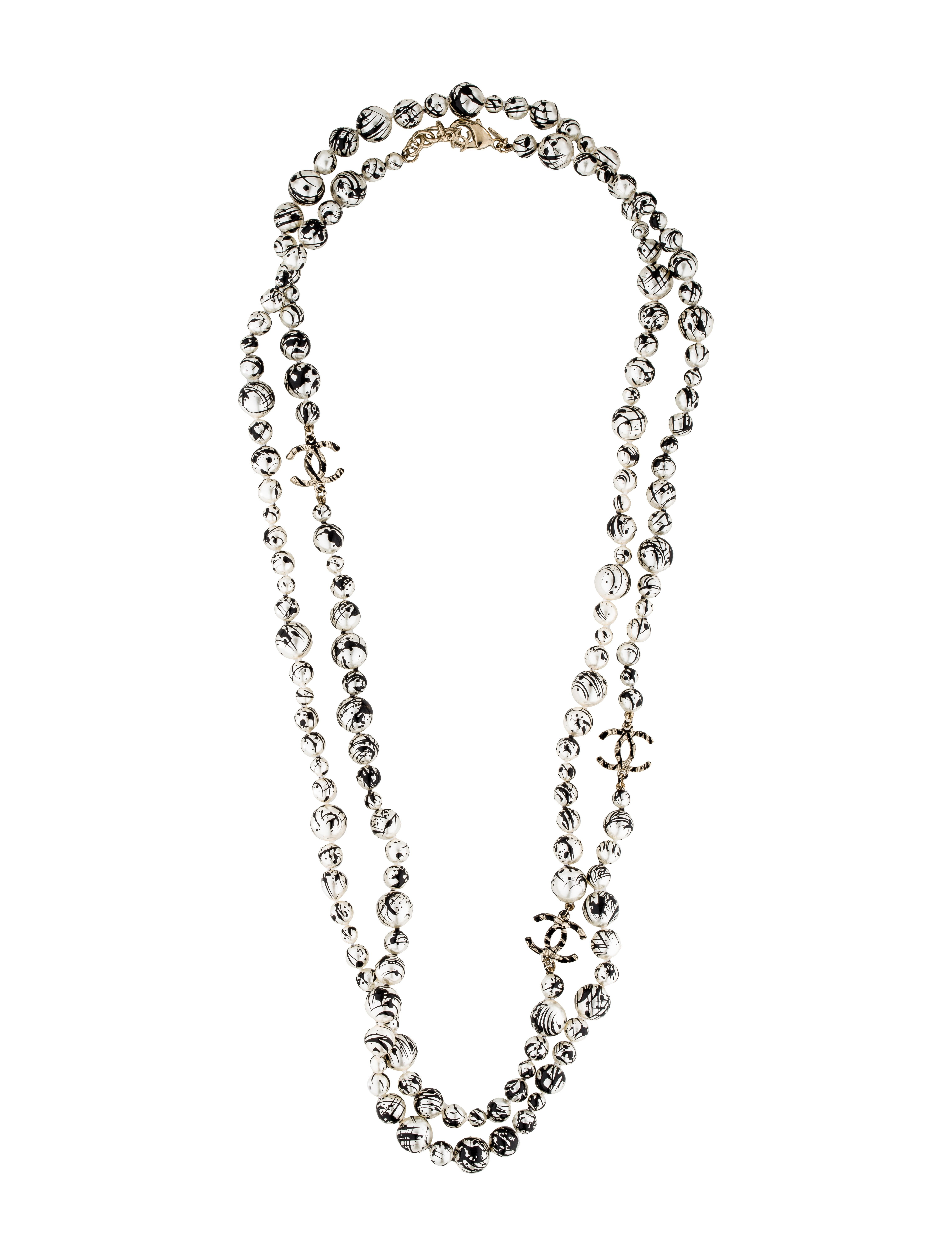 4549x6002 Chanel Paint Splatter Pearl Strand Necklace