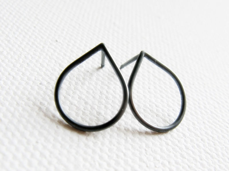 800x600 Oxidized Raindrop Silver Stud, Simple Sterling Silver Post