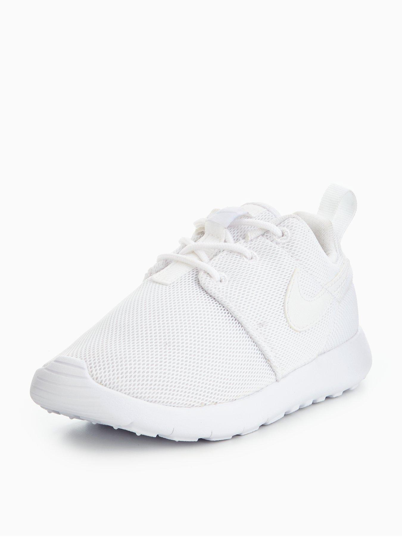 4e96f617744b 1350x1800 Nike Roshe Trainers Child Amp Baby
