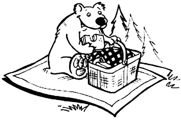 600x403 Bear Eating Picnic Sandwich Coloring Page