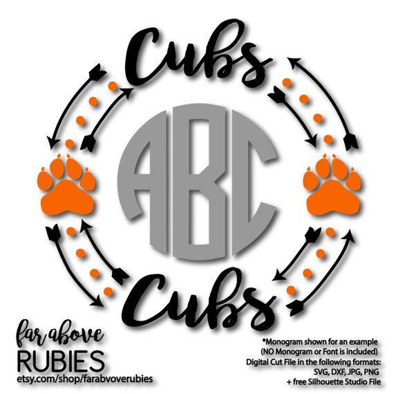 570x570 Cubs Paw Print Monogram Wreath (Monogram Not Included) Team Spirit