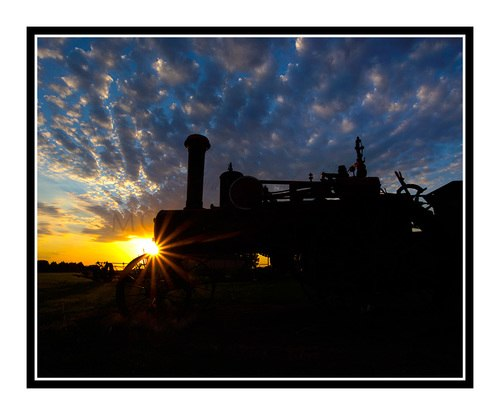 500x415 Antique Tractor Against A Vibrant Sunset In Salina, Kansas 2669