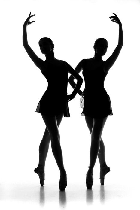 466x700 Ballerinas Pose In Celtic Knot Formation