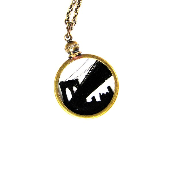 600x600 Brooklyn Bridge Silhouette Necklace