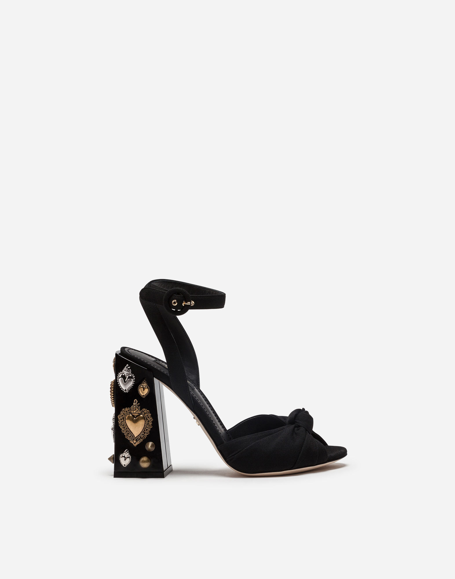 1571x2000 These Dolce Amp Gabbana Crown Shoes Are More Princess Like Than