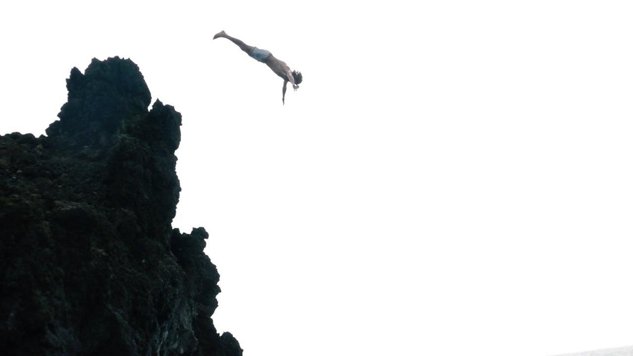 1280x720 Cliff Jumping Off Lava Rocks Maui, Hawaii