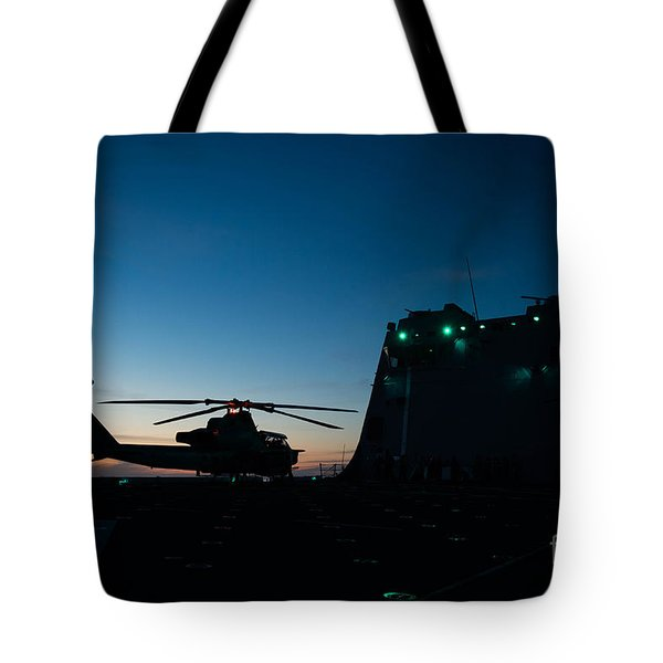 600x600 Cobra Helicopter Tote Bags Fine Art America