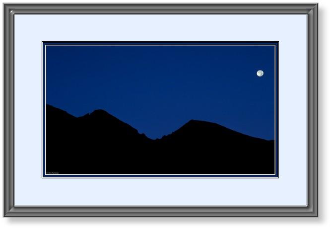 667x463 Longs Peak Silhouette