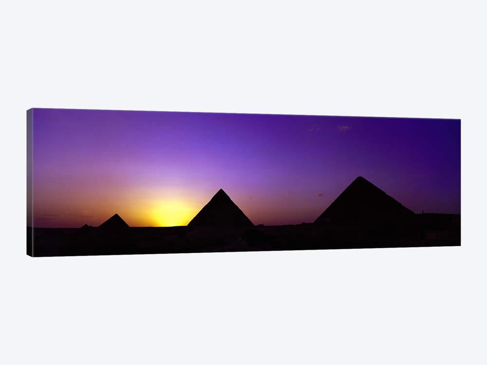 1000x750 Silhouette Of Pyramids