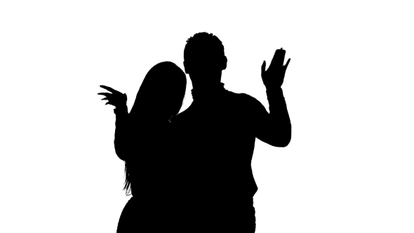 590x332 Couple In Love Waving Their Friends And Calling Them To Them