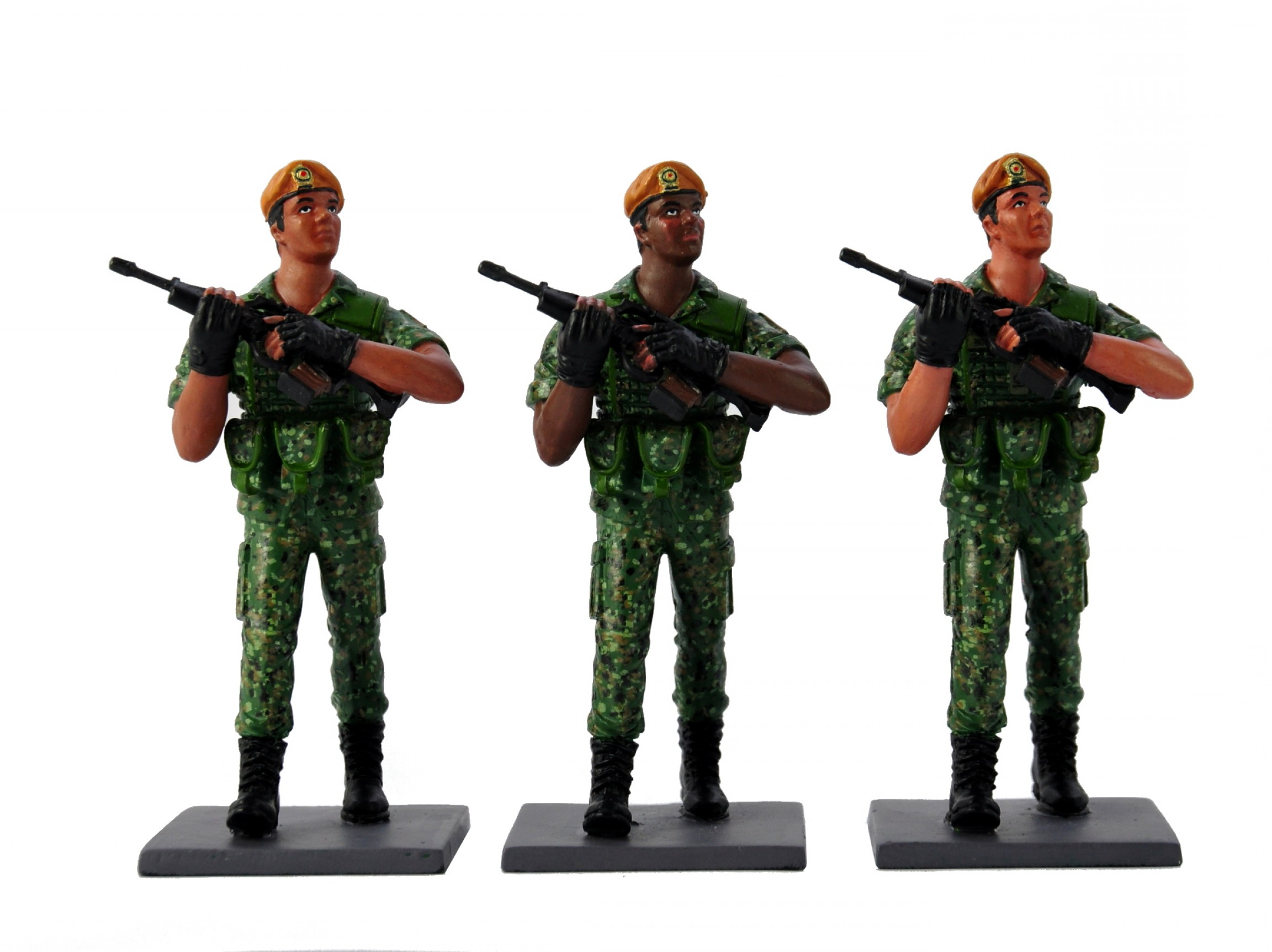 2304x1724 Saf Marching Soldier Parade Right Facing Collectible Figurine