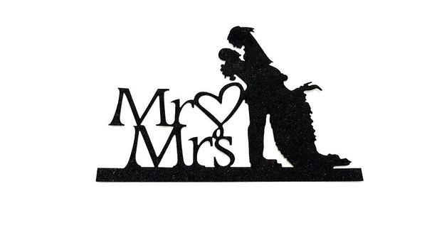 600x338 Mr Amp Mrs Silhouette 2