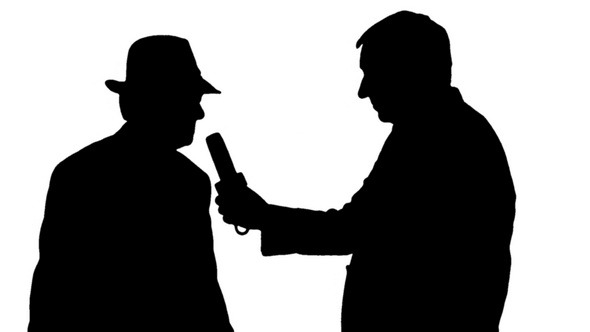 590x332 Silhouettes Reporter Interviewing A Businessman By Mgpremier