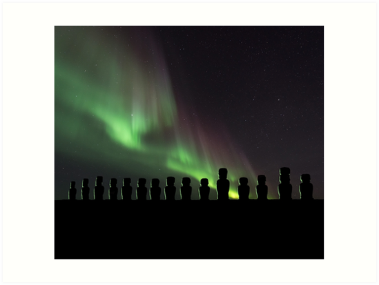 549x413 Northern Lights Easter Island Moai Stone Statues Silhouettes Art