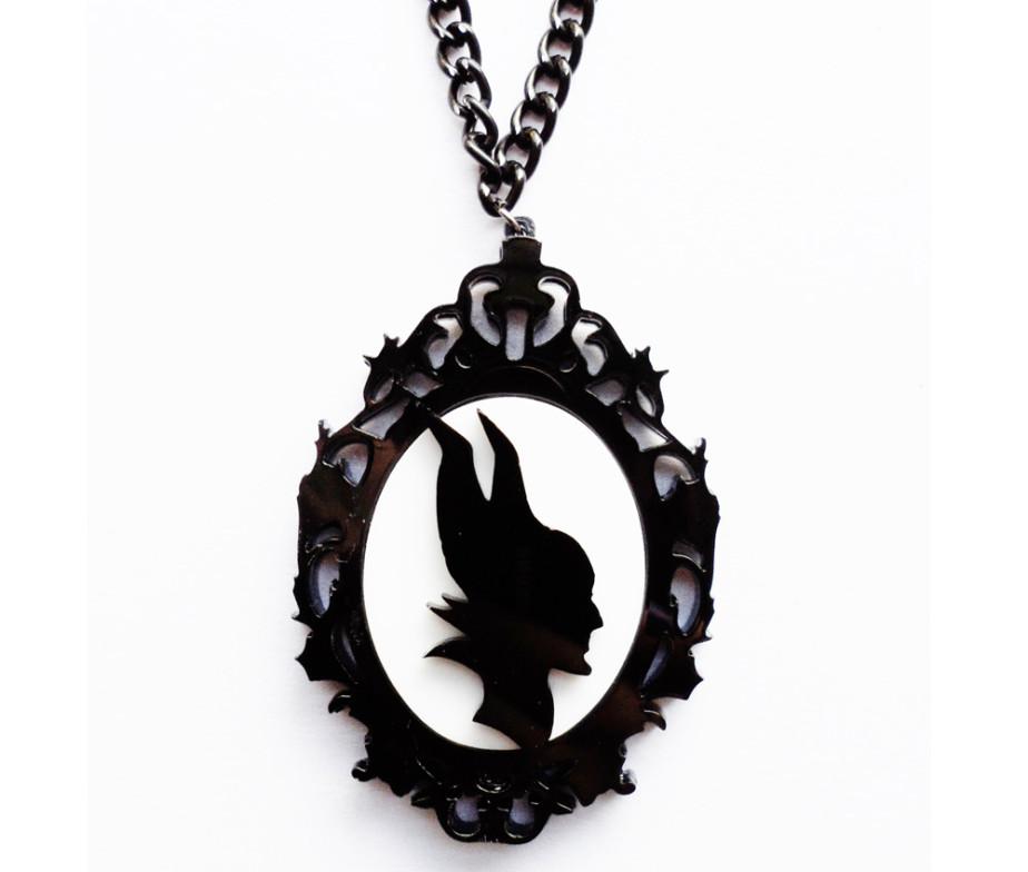 924x784 Ornate Cameo Maleficent Neckace