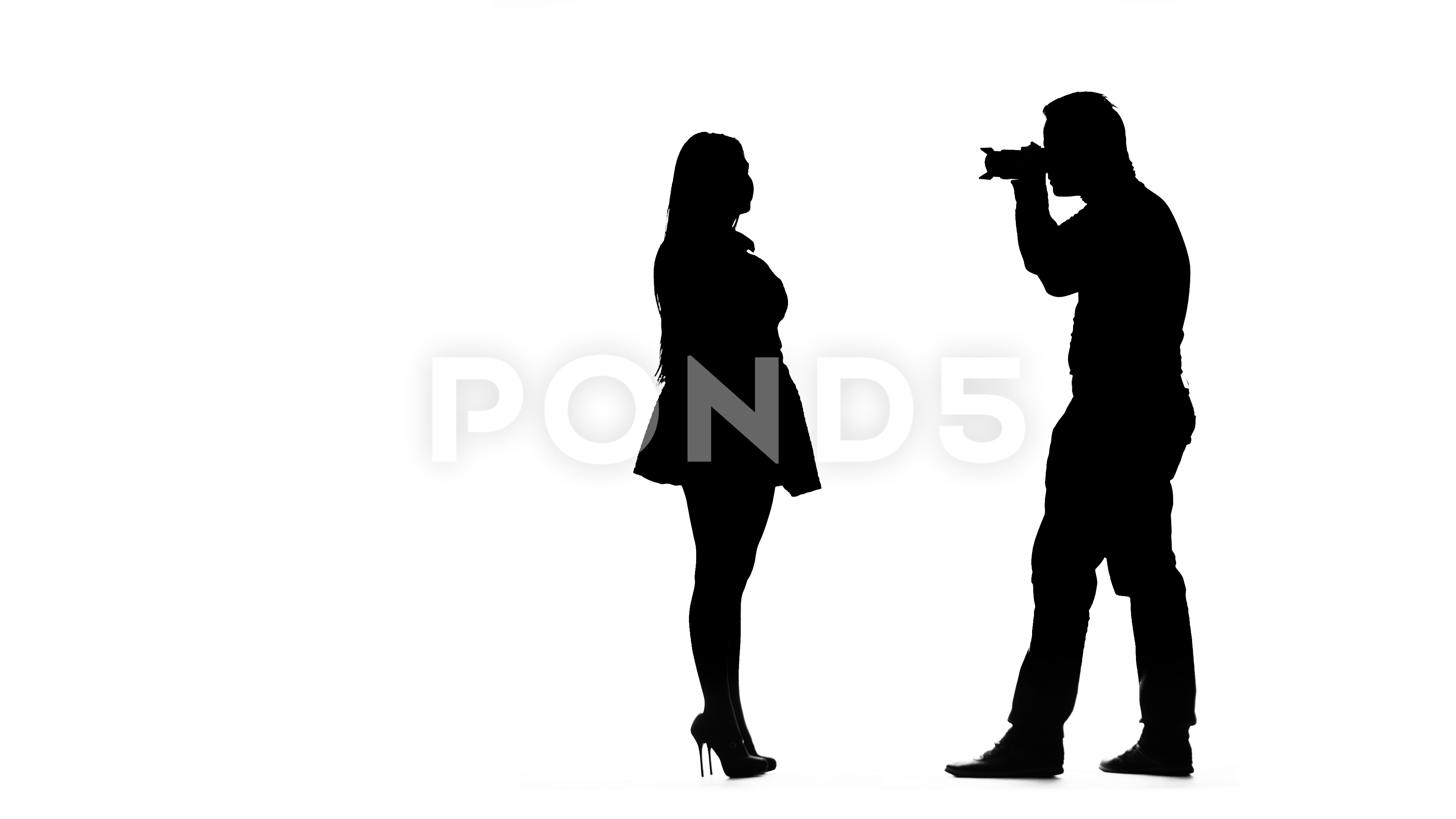 3840x2160 Model Girl Posing For A Photographer. Silhouette. White Background