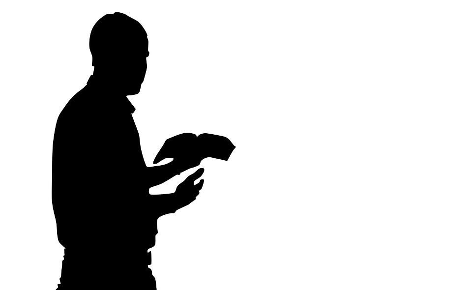 960x590 Free photo Silhouette Man Reading The Bible Praying Man
