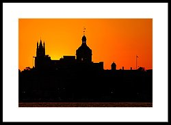 250x183 Sunset City Semi Silhouette Photograph By Paul Wash