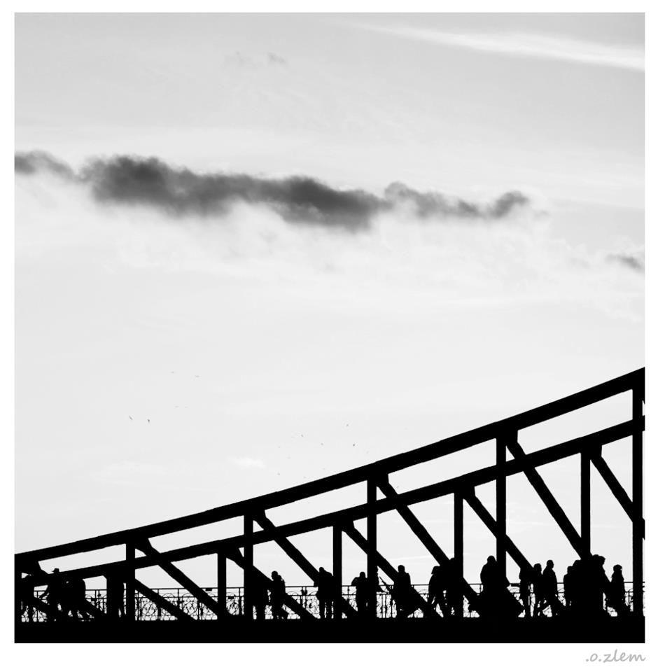 940x960 Frankfurt, Bridge, People On The Bridge, Silhouette