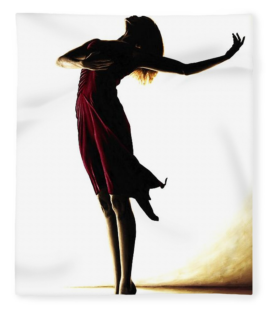 860x1000 Poise In Silhouette Fleece Blanket For Sale By Richard Young