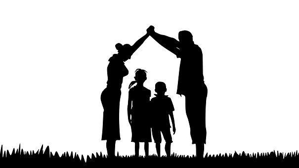 605x340 Family, Silhouette, Prayer Laudate Dominum