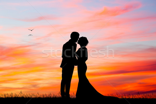 600x400 Just Married Silhouette