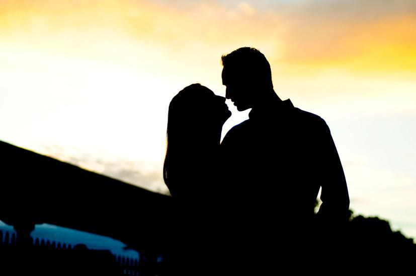 827x548 Silhouette Engagement Photo With Florida Sunset As Backdrop