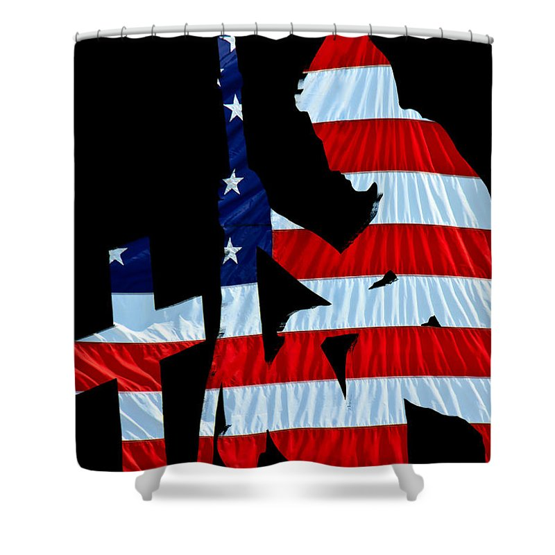 800x800 A Time To Remember United States Flag With Kneeling Soldier