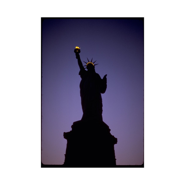 630x630 Statue Of Liberty Silhouette
