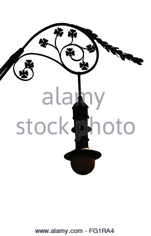 300x469 Silhouette Of A Street Light Decorated With Leaves In Barcelona