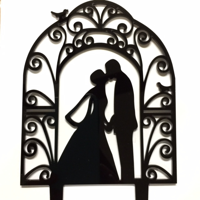 640x640 Silhouette Wedding Cake Topper With Bride And Groom Kissing Under Arch