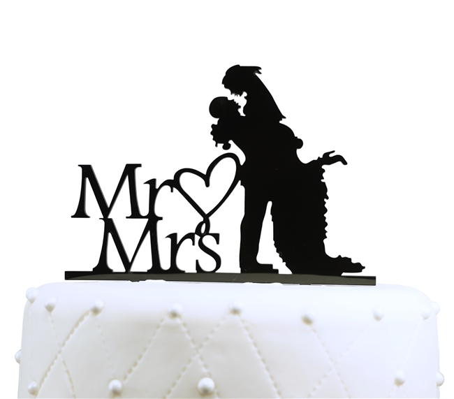 650x571 Kissing Couple Silhouette Acrylic Cake Topper