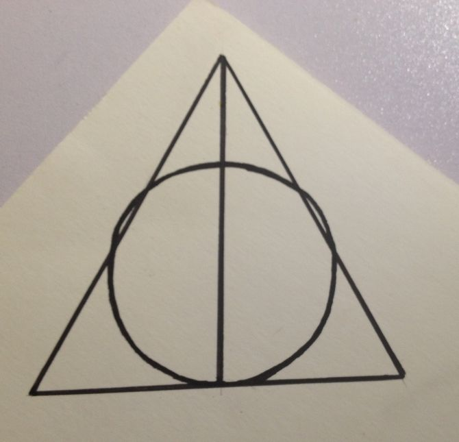670x645 How To Draw The Sign Of The Deathly Hallows 11 Steps