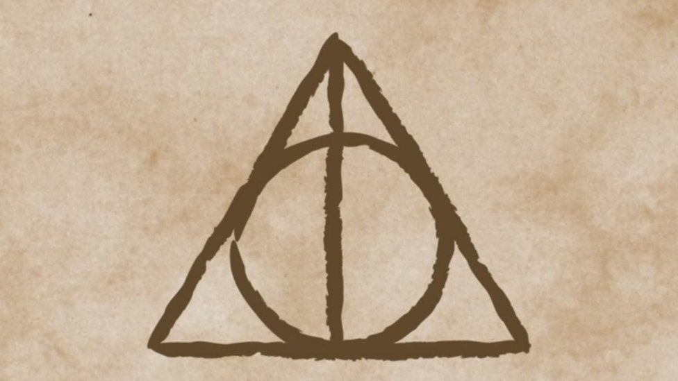 976x549 Jk Rowling Reveals The Inspiration For The Deathly Hallows Symbol
