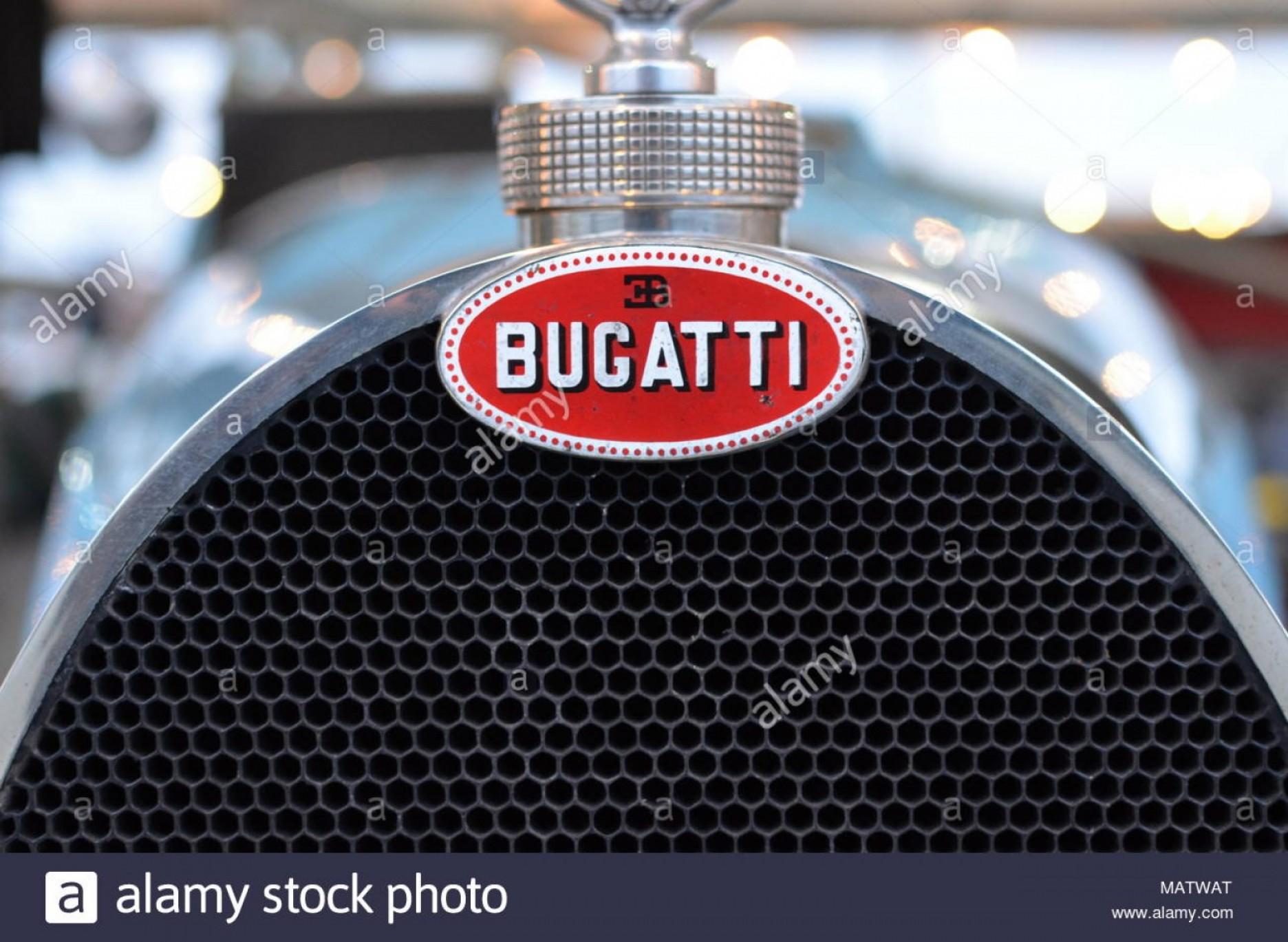 1872x1369 Bugatti Race Car Grill And Mascot Image Arenawp