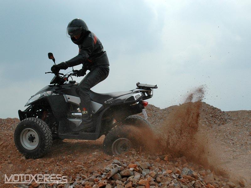 800x600 Four Wheeler E Ton Vector 250 F1,motorky, Motoxpress, Formule 1