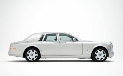 425x265 Rolls Royce Phantom Silver Side Wallpaper Rolls Royce Cars