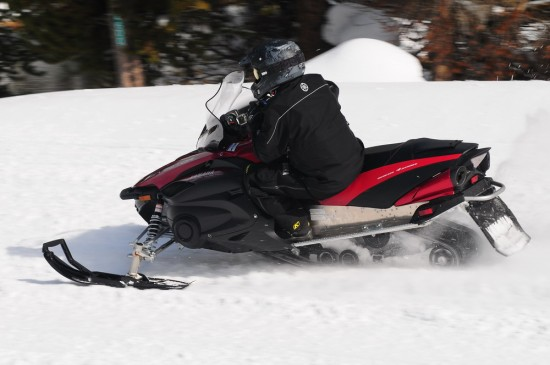 550x365 Snowmobile Review 2012 Yamaha Rs Vector