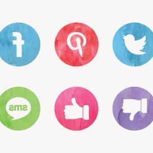 300x300 Free Watercolor Social Media Vector Icons Lazttweet