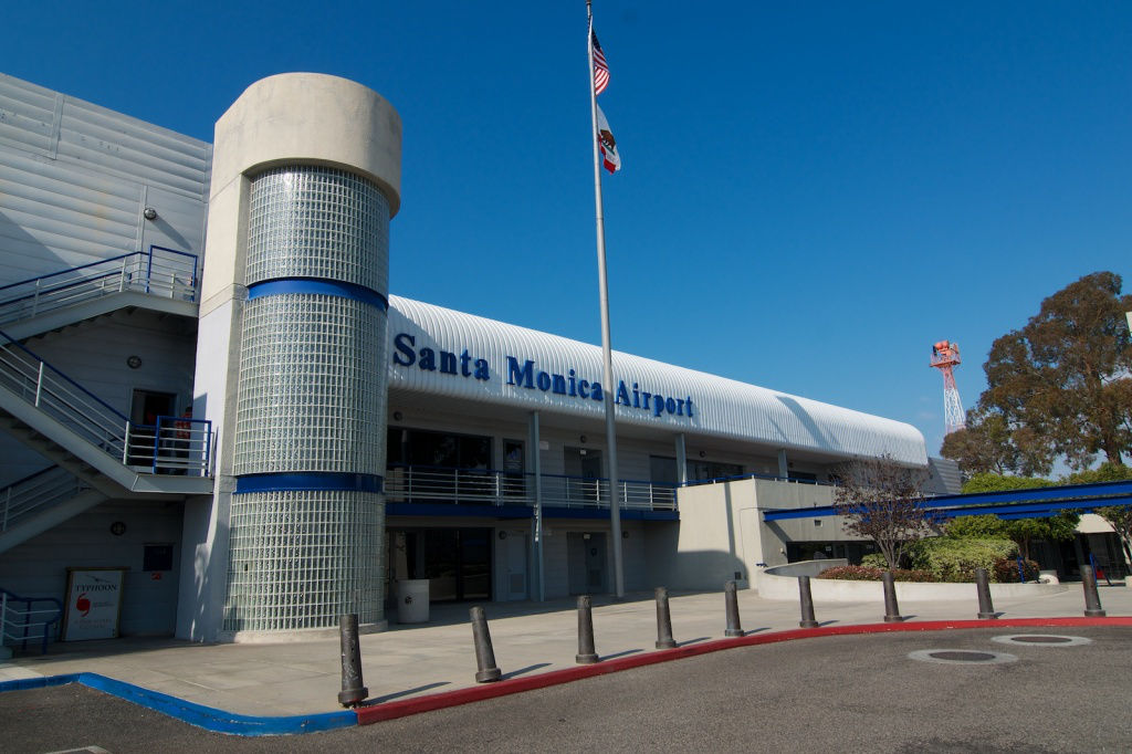 1024x682 Santa Monica Airport Outsources Landing Fee Management To Vector