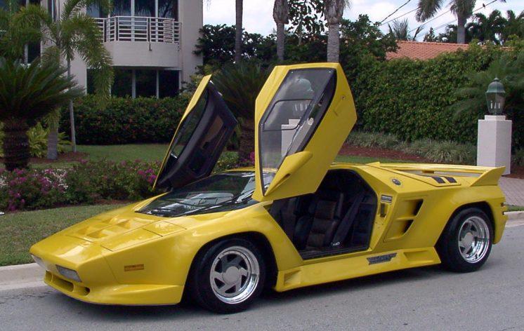 746x472 1992 Vector W8 Top Speed